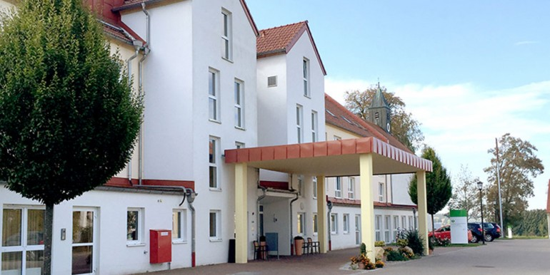 Seniorenpflegeheim-Oberschweinbach-Slider1