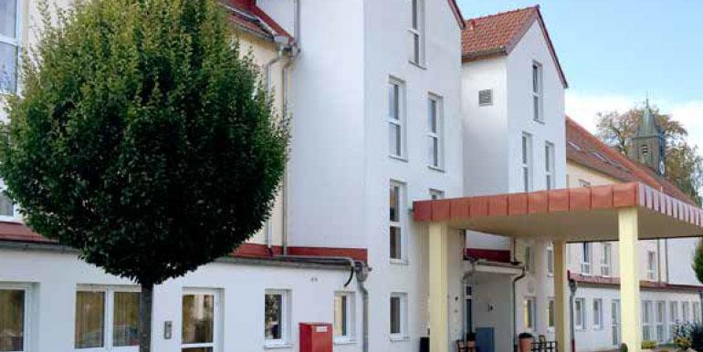 Seniorenpflegeheim-Oberschweinbach-Slider4